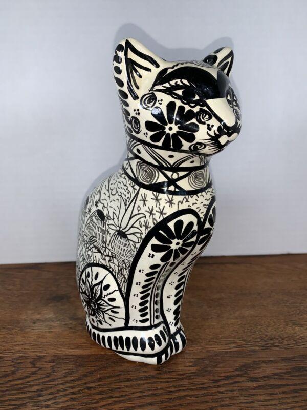 Tonala Black And White Cat Bank