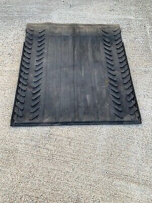 2002-2014 Chevrolet Avalanche, Cadillac Escalade EXT Cargo Bed Rubber Mat