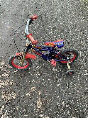 StreetFox Excalibur Boys Bike with stabilisers