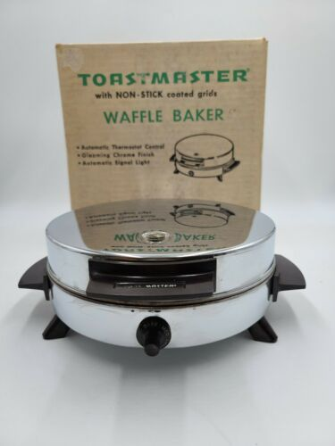 Vintage Toastmaster Waffle Iron Maker Model W252 Chrome Silver Nonstick
