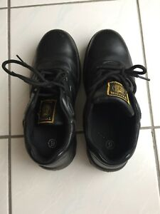 Tiger safety shoes - women size 9 ( 40)