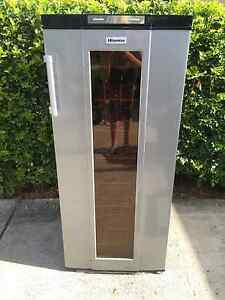 Wine Fridge Excellet Condition Wakerley Brisbane South East Preview