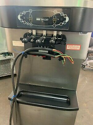 2010 Taylor C712-33 Air Pump Soft Serve Ice Cream Machine. Air Cooled