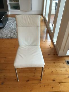 White leather dining chairs (6)