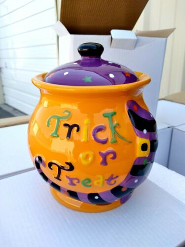 (1) NEW Halloween Ceramic Candy Cookie Jar Trick or Treat