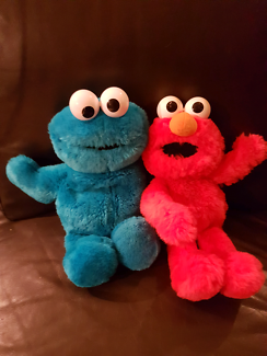 Sesame street soft toys elmo and cookie monster