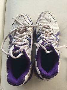 ASIC gel netball shoes size 2 Robina Gold Coast South Preview