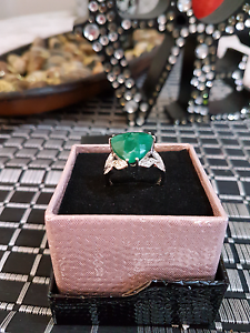 Solid 925 KRN Sterling Silver Emerald Ring Newcastle Newcastle Area Preview