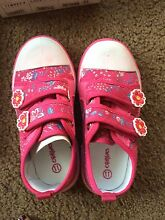 Brand new crayon girls sneakers size 11 Merrimac Gold Coast City Preview