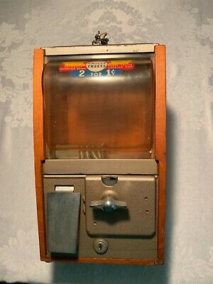 Vintage Victor 1 cent gumball machine