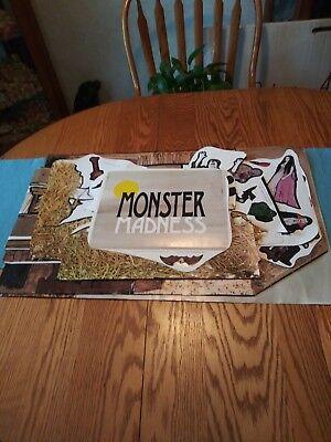 1978 TREND MONSTER MADNESS PAPER DOLLS, HALLOWEEN. - Halloween Paper Dolls