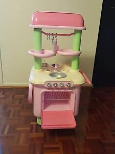 Kids play kitchen Aspendale Gardens Kingston Area Preview
