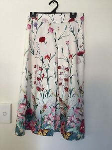 Ladies size 8 skirt like new Sumner Brisbane South West Preview