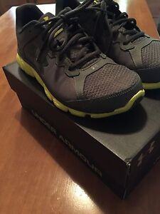 Under Armour size 11