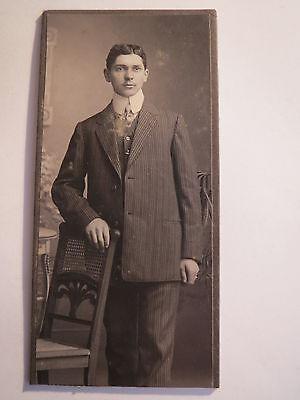 Winnweiler Filiale Alsenz - stehender Mann im Anzug - Portrait / CDV
