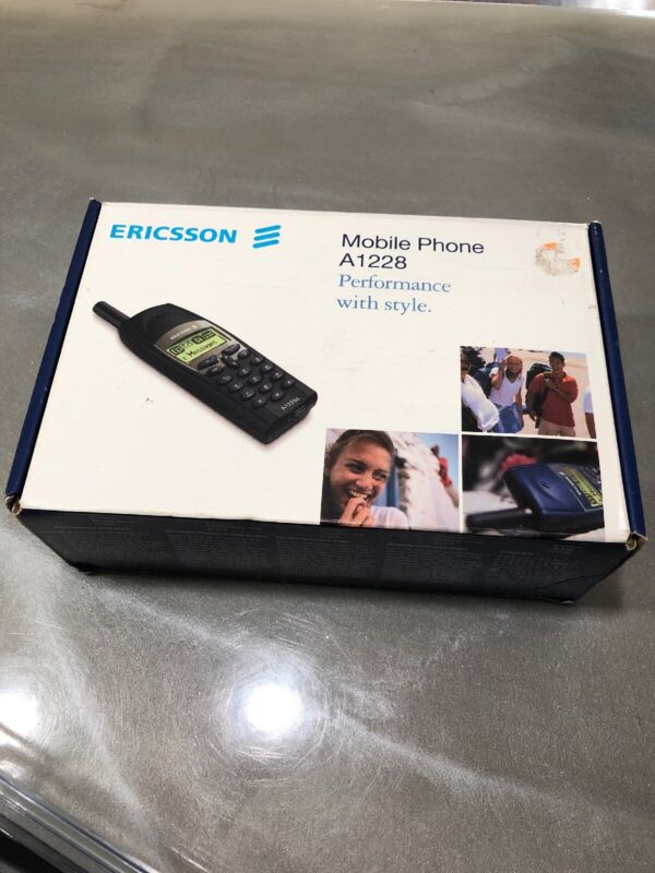VINTAGE ERICSSON A1228 MOBILE PHONE - MIDNIGHT BLACK -***READ NOTES***