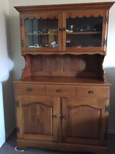 Solid Wood China Cabinet (Hutch)
