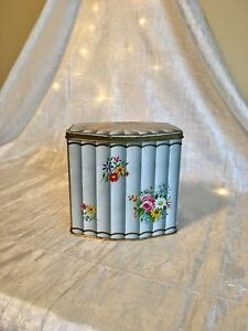 ❤️ADORABLE VINTAGE FLOWER TIN WITH TONS OF DETAILS!❤️