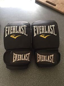 Size small everlast boxing gloves Robina Gold Coast South Preview