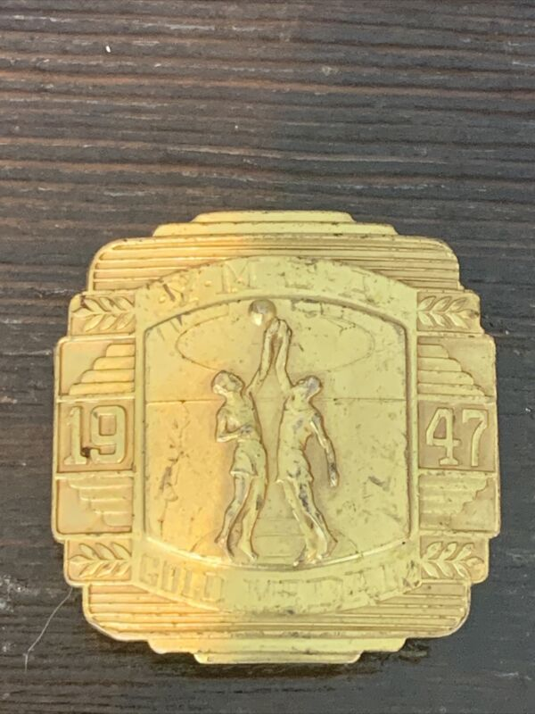 1947 YMCA BASKETBALL GOLD MEDAL GIANT GRIP BELT BUCKLE