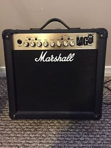 Marshall MG15FX amp w/ footswitch