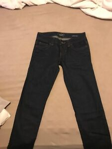 Guess skinny jeans, never worn $70