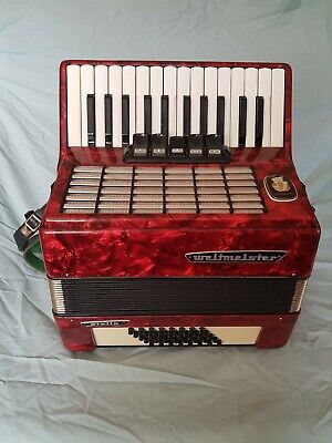 Piano accordion WELTMEISTER STELLA 40 bass