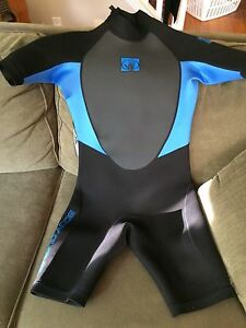 Body glove shorty wetsuit