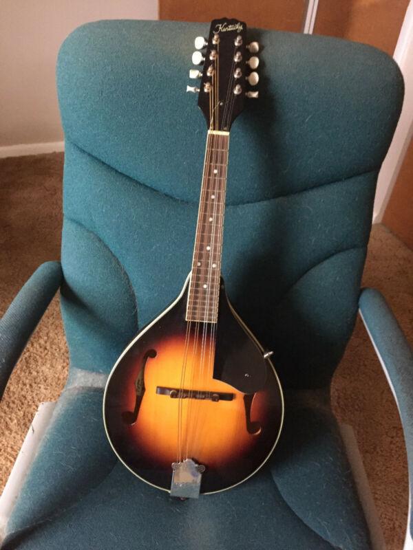Kentucky mandolin, sunburst, A style with f holes, km-150