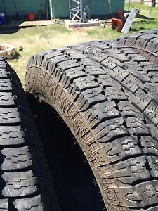 4 Toyo open country at2's 275/70/r18