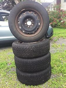 P225/60R/16 tires and rims