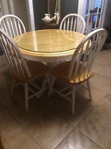 """40"""" Kitchen round wood dining table + 4 chairs"""