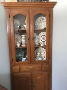 Corner maple hutch DISHES NOT INCLUDED
