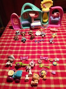 Littlest pet shop 2 ensembles