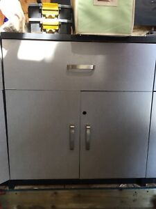Garage cabinets x5 $100 for all