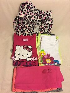 Little Girl's Size 4/4t Clothing