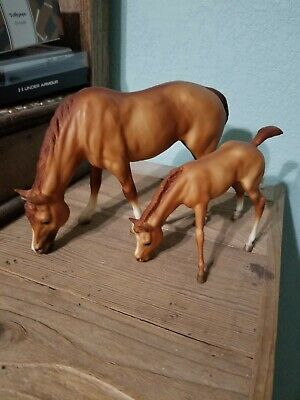 Traditional Breyer Horse Buttons And Bows Vintage Grazing Set
