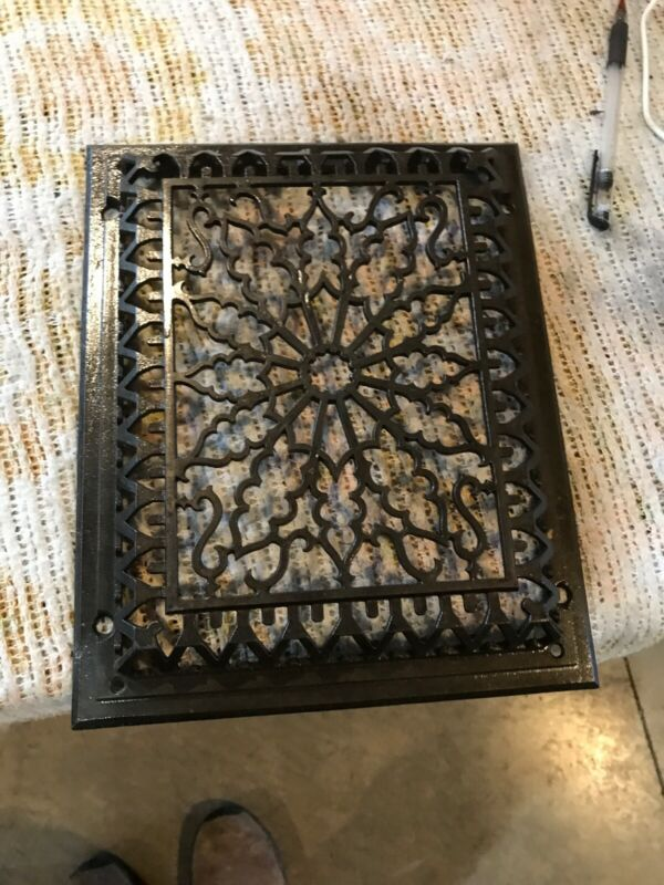 Tk 36 Cleaned And Lacquered Cast-Iron Heating Grate Face 9 5/8 X 11.75