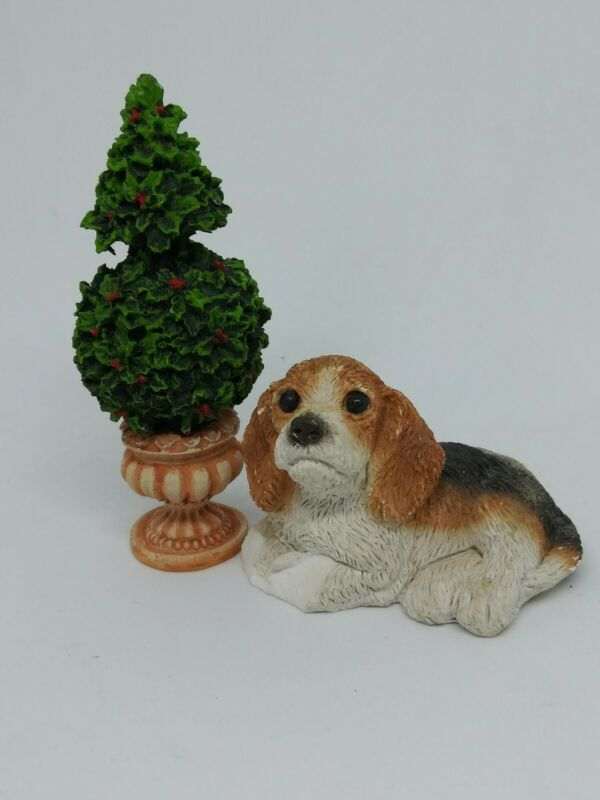 2-piece Christmas Miniature Figurine Set Beagle Puppy And Tree