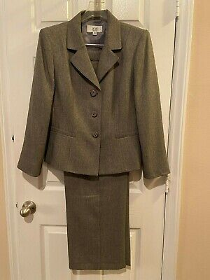 Womans LeSuit Gray Pant Suit - Size 14P