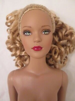 Home for the Holidays Tyler Blonde Nude Tonner Doll 2005 BW Wentworth 300 Made