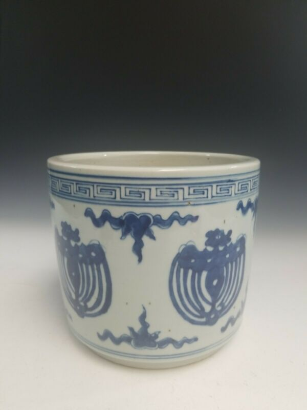Chinese Antique Ble And White Porcelain Brush Pot