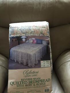Single Bed Quilted Bedspread With Skirt And Ruffle