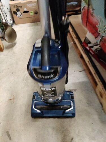 NEW Shark UV700 Vacuum Lift Away Upright Duo Clean Dual Brush ZERO M Tech BLUE