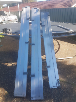 Tray sides and builders rack