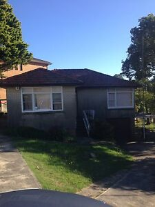 House to be demolished - kitchen, roof tiles, windows, floor etc Figtree Wollongong Area Preview