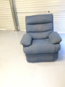 Free reclining arm chair Doolandella Brisbane South West Preview