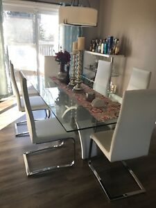 Dining table and bar for sale