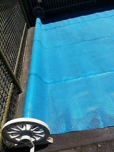 Solar blanket for pool with roller Morphett Vale Morphett Vale Area Preview