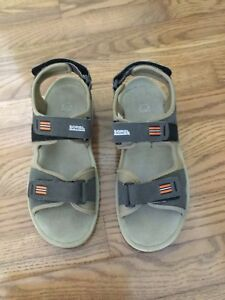 New Sorel youth sandals size 6